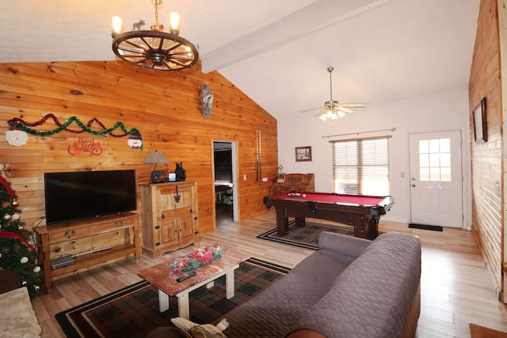Dancing Bear.  No Manager's fees. 2BD/2BTH/HotTub