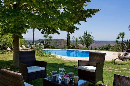Villa Il Giglio con piscina - Caltagirone - Casa de camp