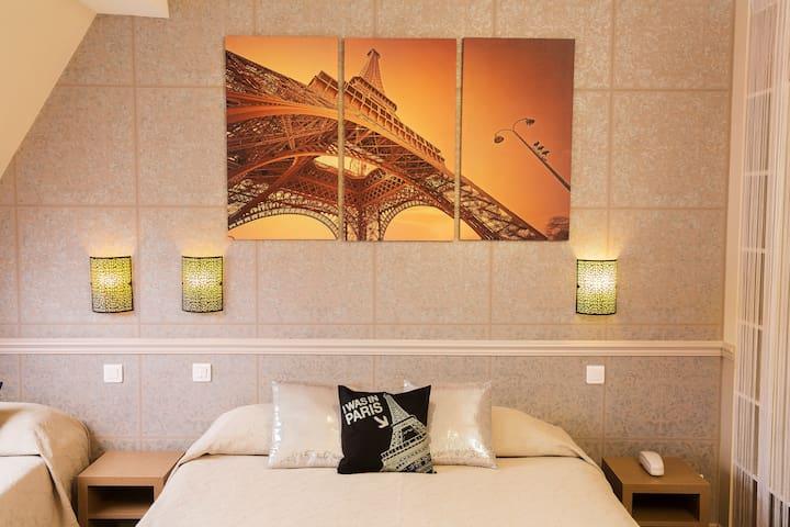 Chambre double Privée Paris IX, au coeur de Paris