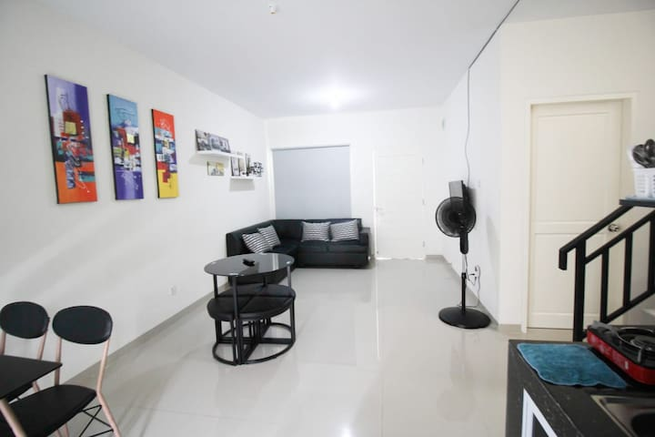 Minimalist house with 3 bed rooms, 6 - 8 pax.