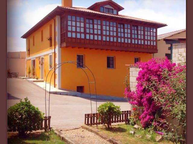 Casa rural playa y montaña - Asturias - House