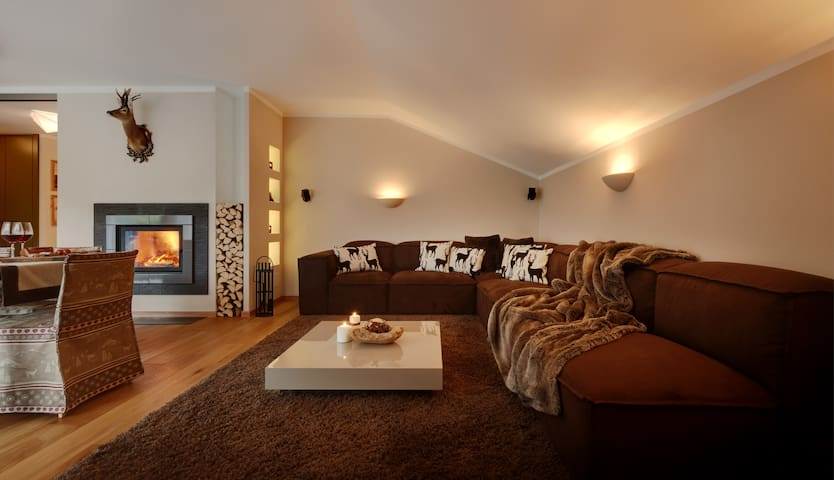 luxury lodge in the dolomites - Niederdorf - Byt