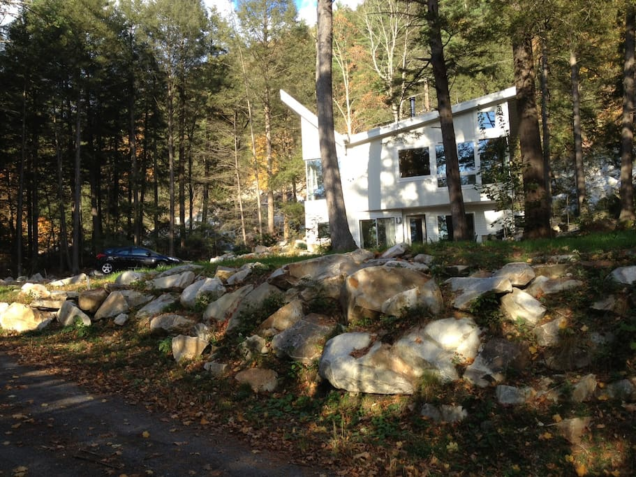 Approach to Peg's house and the Rock Garden apartment. Follow the boulder-lined driveway!
