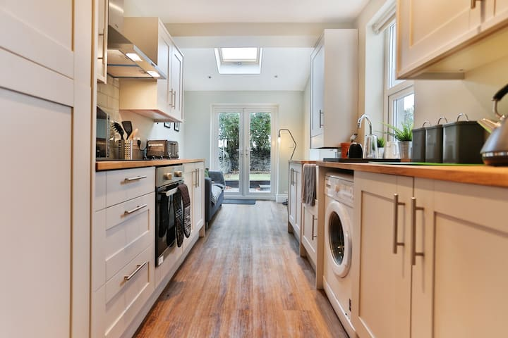 Fabulous traditional house in Roath, Cardiff