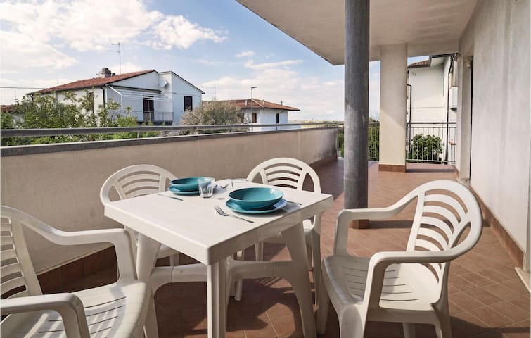 Holiday apartment with 1 bedroom on 46m² in Lido di Dante (RA)