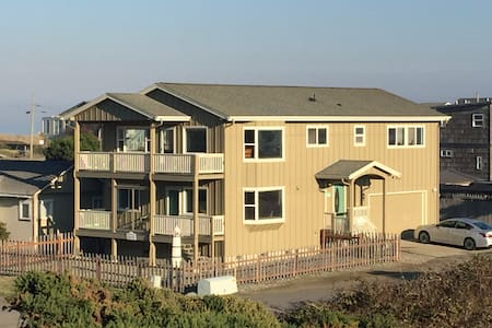 Bandon Ocean Breeze Family Home - Beach Level