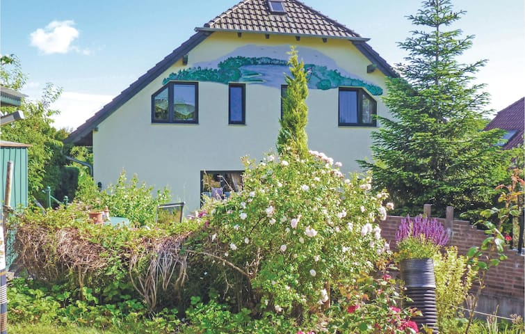 Holiday apartment with 1 bedroom on 45m² in Lancken-Granitz