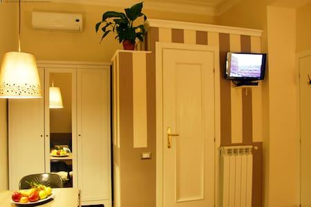 Roome b&b with en-suite Bathroom - Roma - Bed & Breakfast