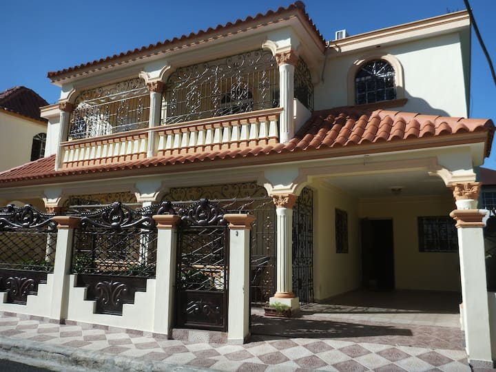 Miguelina's Guest House