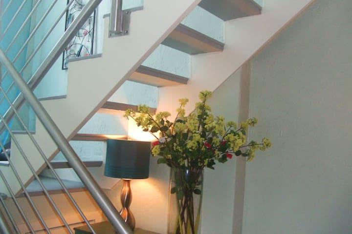 Contemporary Designer 2 Level Loft 8 mn from beach - Miami - Wohnung