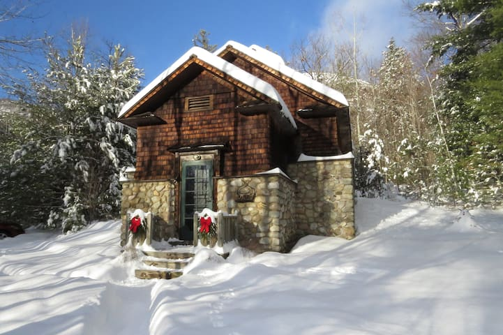 The Old Icehouse - Historic Cabin - Upper Jay - Chalet
