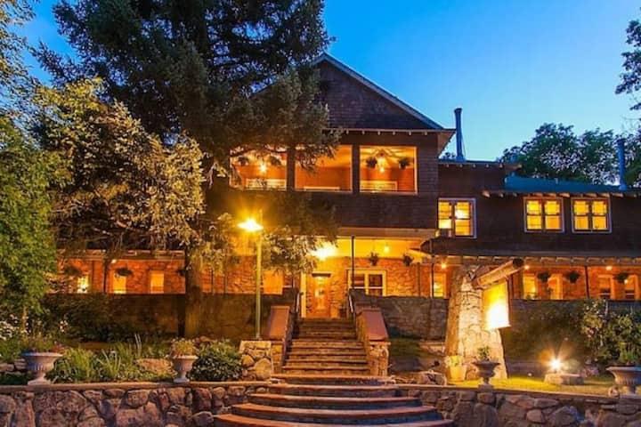 Alps Boulder Canyon Inn Summerville Room