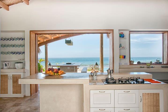 Beautiful Beachfront Home In Mancora