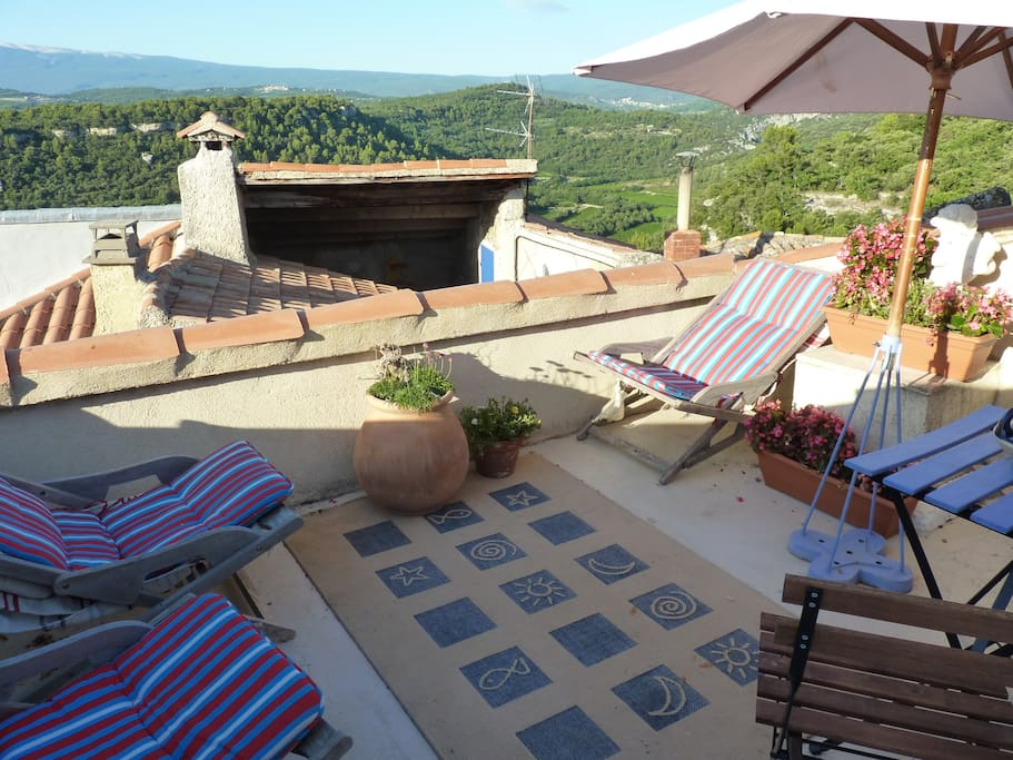 Roof terrace with far reaching views over to Mont Ventoux and the Luberon mountain range.