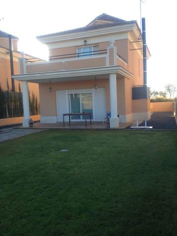 Chalet en campo de Golf en Granada - Otura