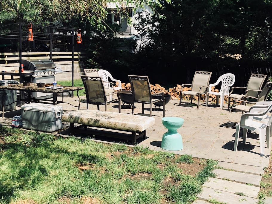 Private, fenced off Patio and BBQ Propane Grill