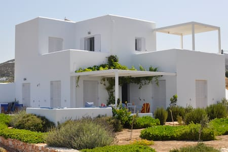Seafront villa, West coast of Paros - Paros - Villa