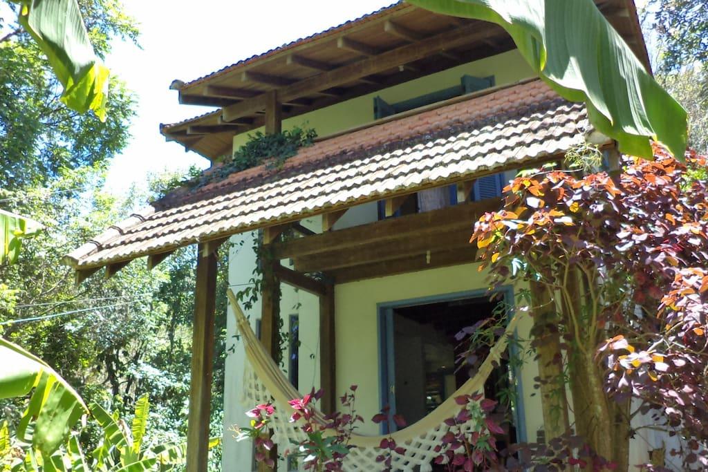 Vista da casa com as duas varandas