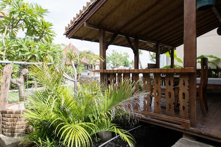 Classic Beach Villa 1 - Amed - Abang - Bed & Breakfast