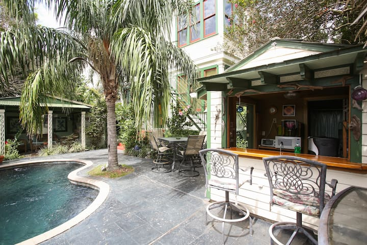 Louisiana Bed And Breakfast Private Pool