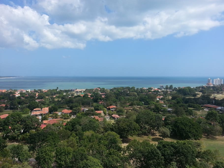 Vista desde el balcón / One panoramic 18th floor apartment, Playa Coronado
