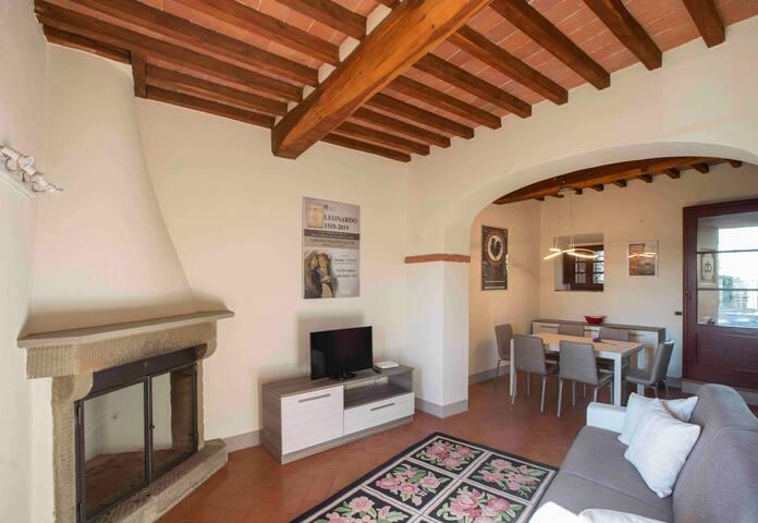 Casa nel borgo del castello. Confort,relax,privacy