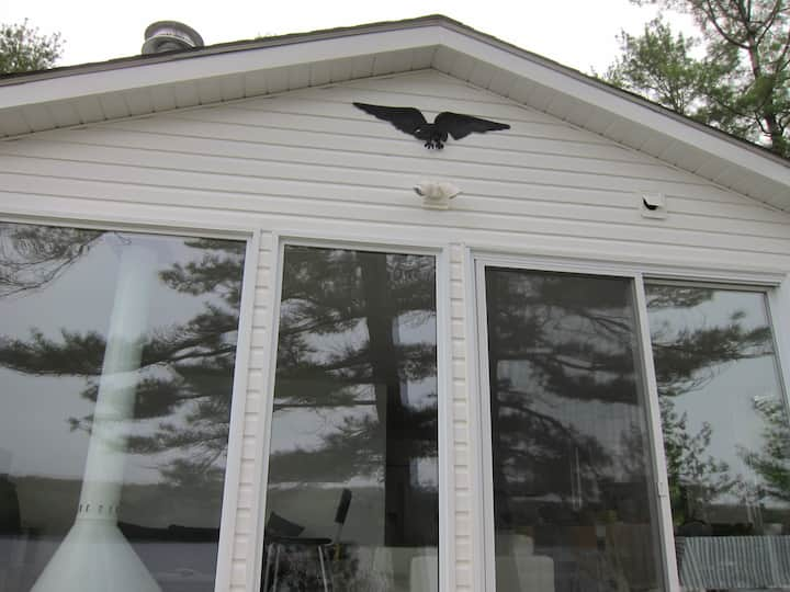 Awesome lakefront cottages/view sleeps 14-16