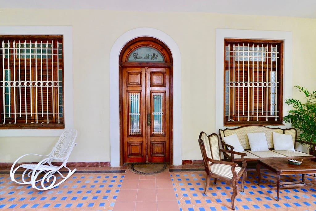 WELCOME TO CASA DEL SOL BY KENIA, a unique hideaway in Havana.