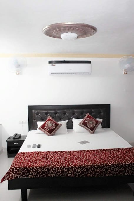 King Size 4 Bedded Room