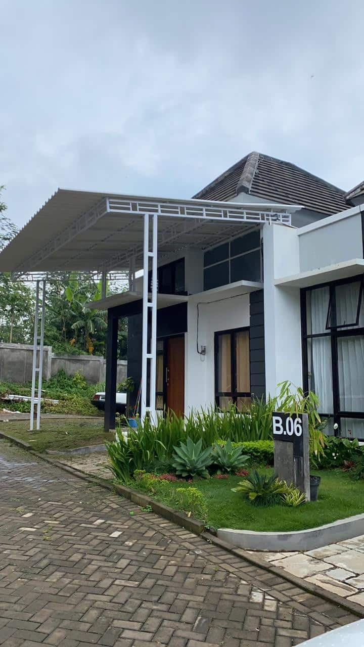 Villa Cantik, Baru, dan Strategis di Bandungan
