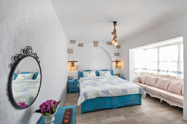 Monat Boutique Hotel Alaçatı Deluxe Oriel Room 9