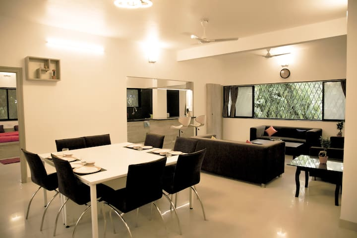 Chiraag's 3 BHK Home Nr. Iyengar Yoga Institute