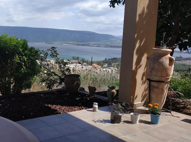 Cozy studio apartment by the Sea of Galilee
