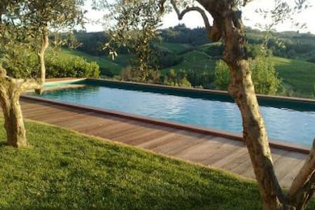Charming house with pool - San Miniato - House