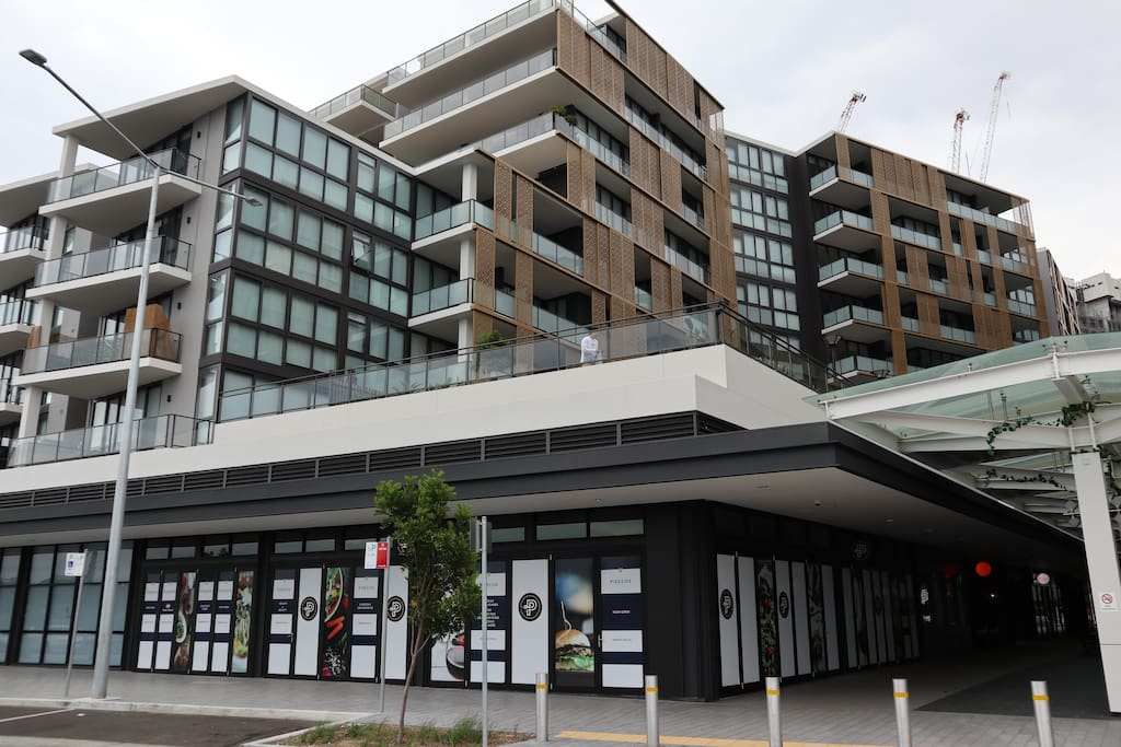 @5 Waterfront apartment at Sydney Olympic Park ...