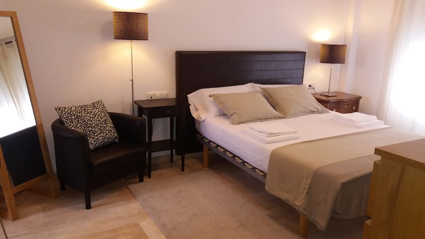 MODERN APARTMENT IN ELCHE + WIFI + GARAGE - Elx - Byt