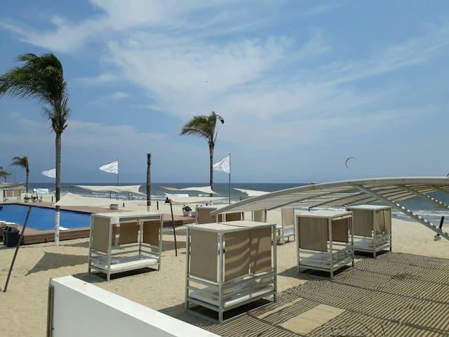 Duplex/loft in Aria Ocean/Acqua beachfront complex