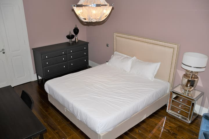 King size bed in city center
