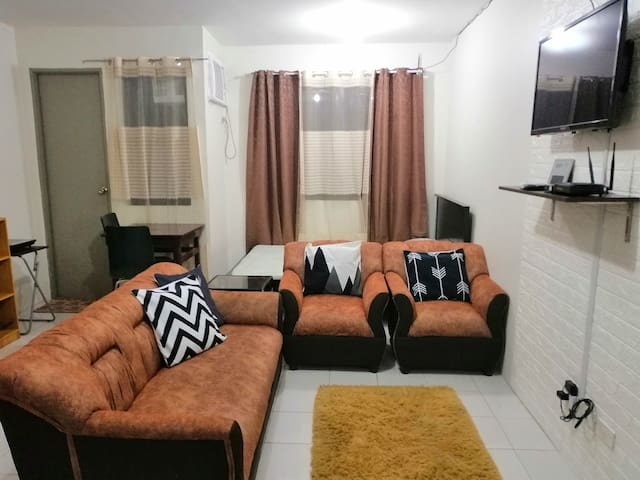 Simple&Comfty Condo Unit beside Enchanted Kingdom
