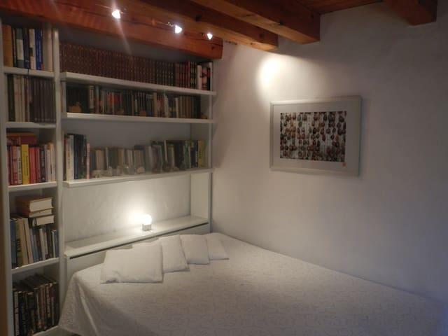 Lovely room - Laufen-Uhwiesen - Bed & Breakfast