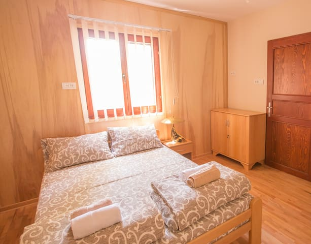 02 Apartment on the Danube in the city center