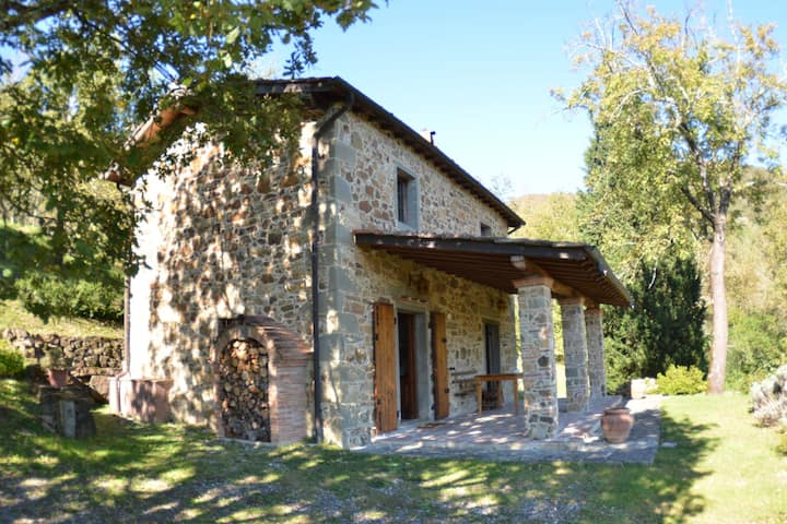 Lovely Cottage in Bagni di Lucca Amidst Fields