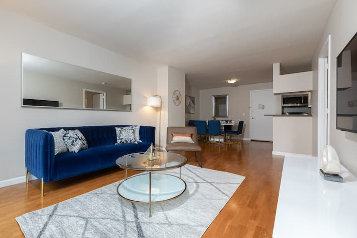 Gorgeous UWS 2 Bed w/ Gym, Laundry, Rooftop  #6140