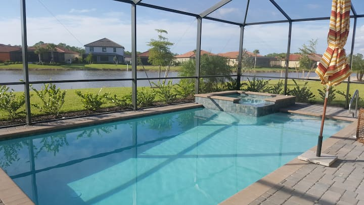 CASA NAPOLETANA WITH POOL & HOT TUB FOR 7 PERSONS