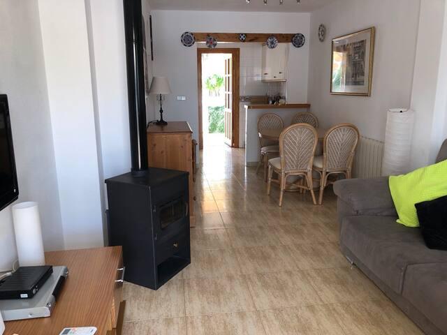Lounge through area to kitchen