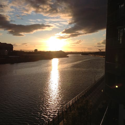 Glasgow riverside home in the heart of the City