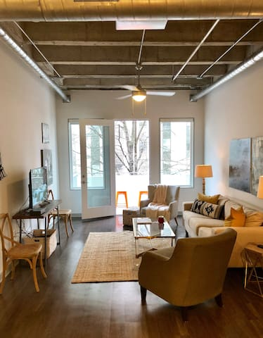 Oversized Midtown 1 Bedroom Loft