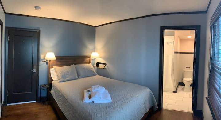 Charming en-suite oasis in Midtown - #1