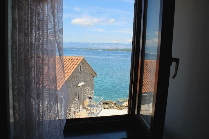 Room BLUE - 10 m from the sea - Porat - Appartement