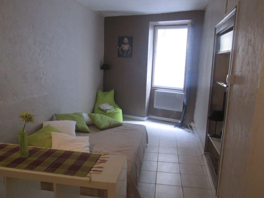 Coin chambre (lit deux places)